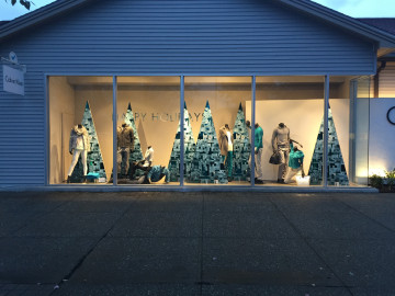 Free standing wooden trees with plastic face and direct printing